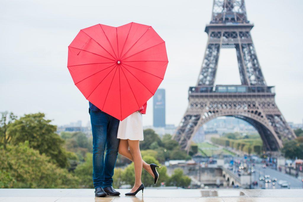 фотограф в париже. Реквизит для фото сессии. зонт