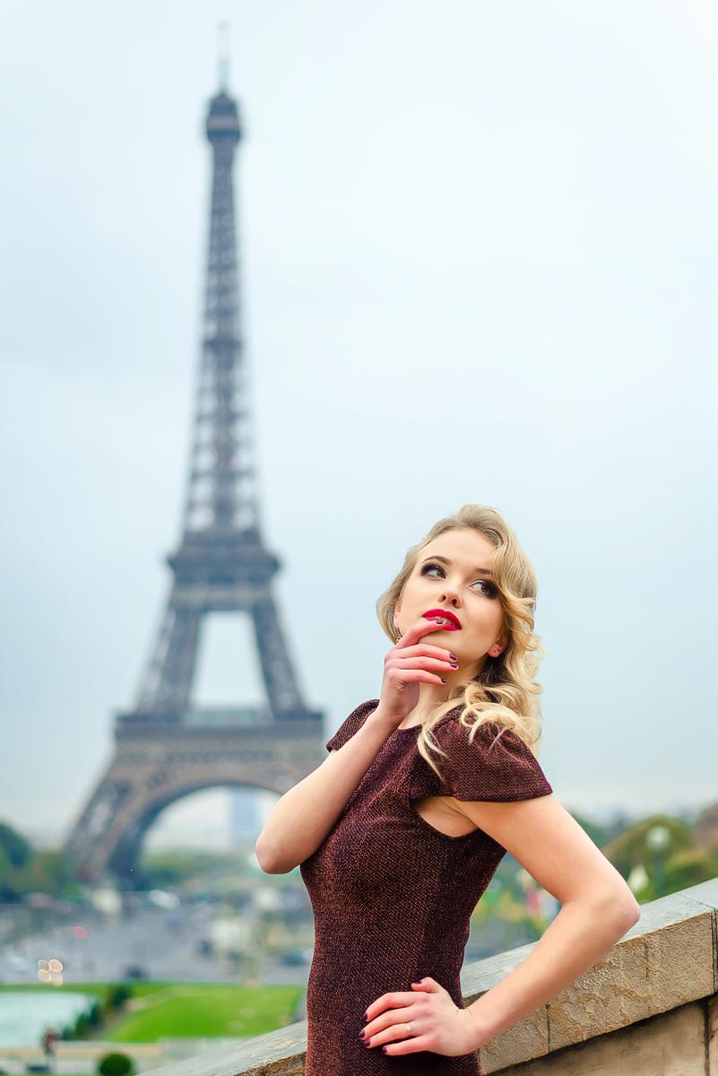девушки на работу в париже