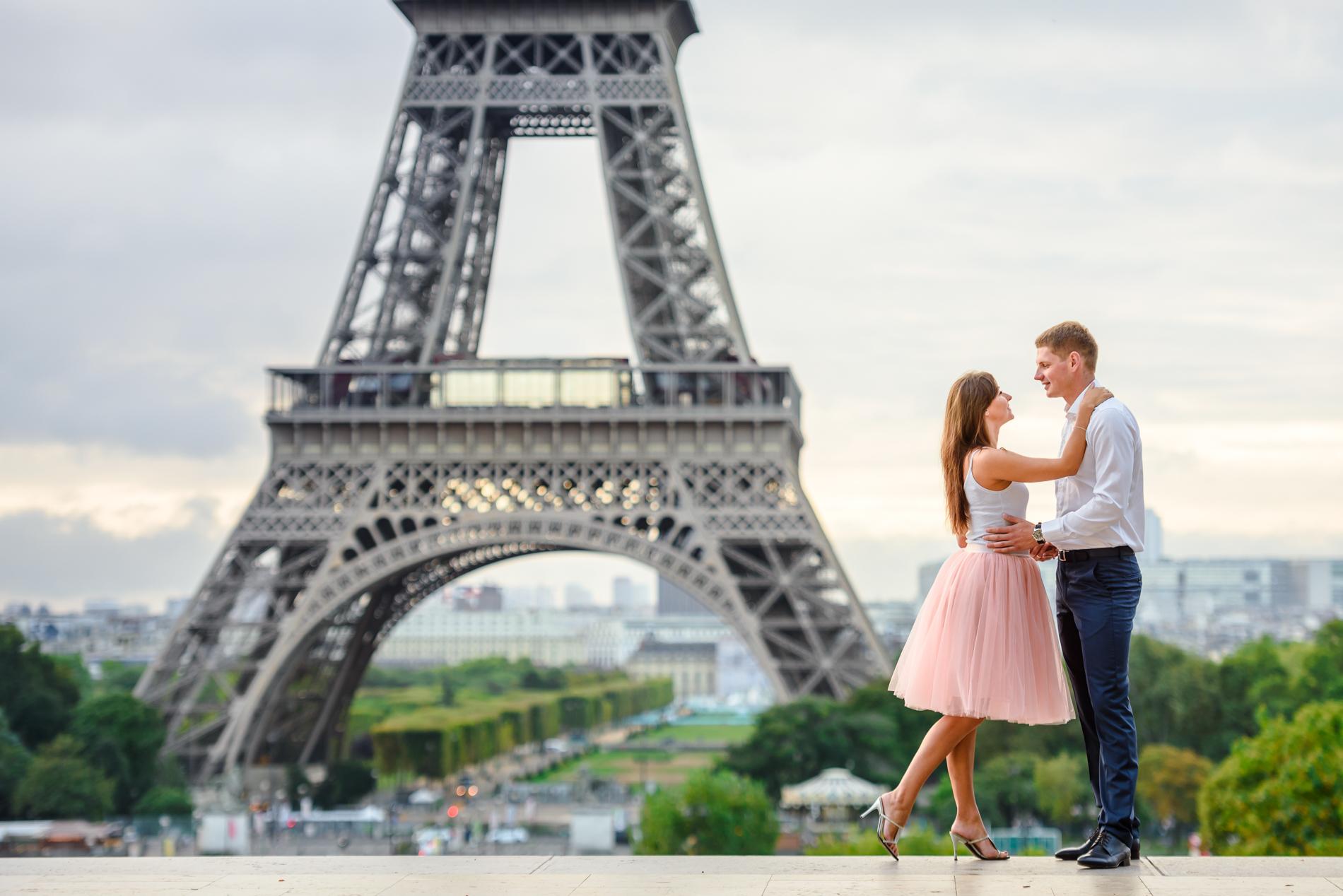 портфолио - фотограф в париже. пара у эйфелевой башни Paris-